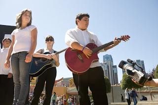 Habitat perform guitar